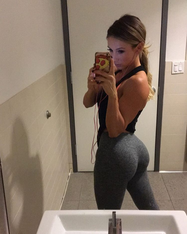22 Photos Of Yoga Pants That Are Totally Epic